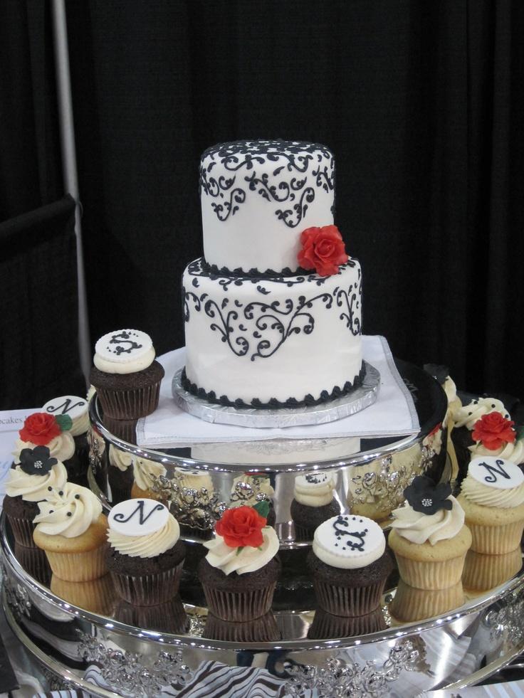 Custom Wedding Cake With Cupcakes Actually Leesburg And Fairfax Va