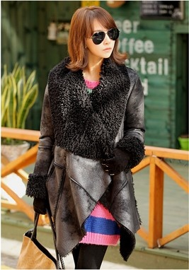 Leather + fur, what can be better?! thehallyu.com