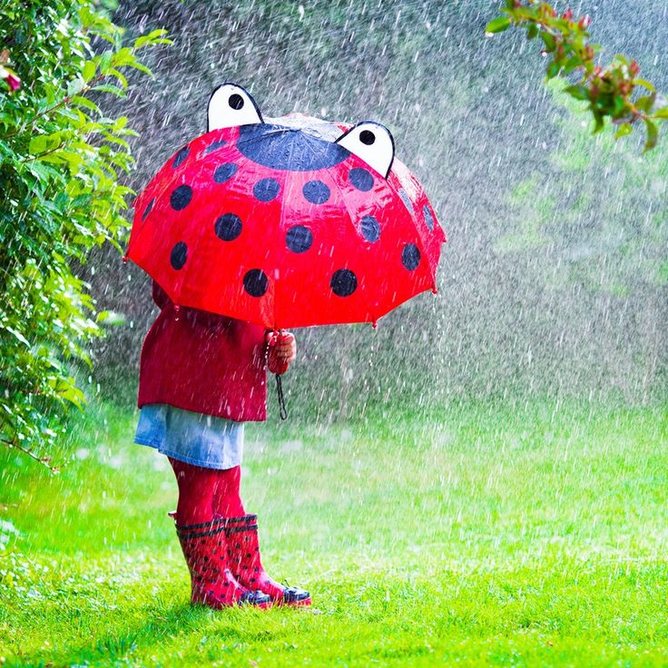 10 Rainy Day Activities the Whole Family Will Love Doing Together | Romper