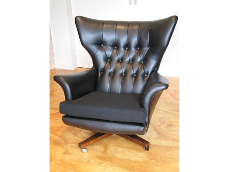 wingback swivel chair in deep-buttoned vinyl - Living Room, Wellington