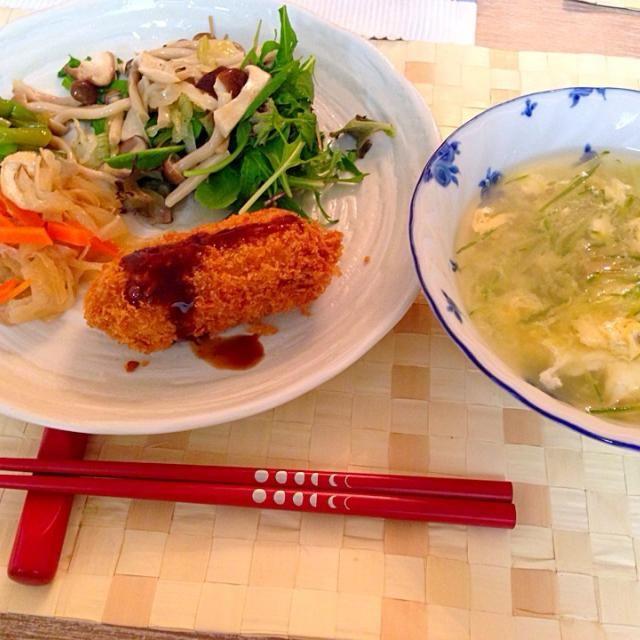 結婚式でたらふく食べたので副菜中心に - 6件のもぐもぐ - カニクリームコロッケ、キノコのマリネ、切り干し大根の煮物、搾菜とキュウリのスープ by pumpukupun