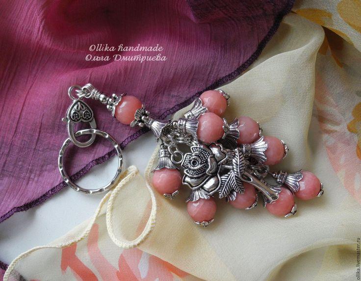 Купить Брелок К Вам едет Донна Роза из Бразилии украшение на сумку для ключей - розовый