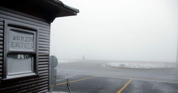 Erciyes'e erken gelen kar işletmecileri sevindirdi