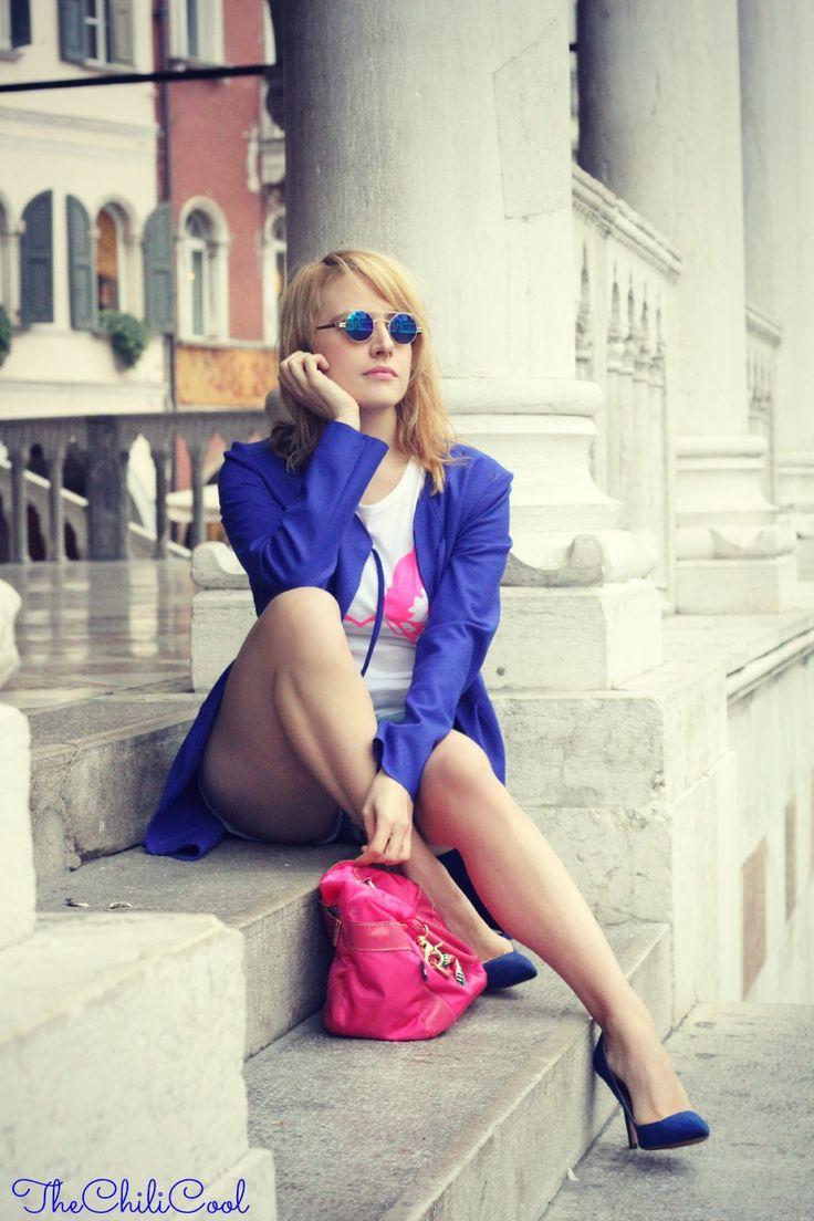 OUTFIT SEDUTA2 SJF Company, quando un outfit è molto più di abbinamenti e colori