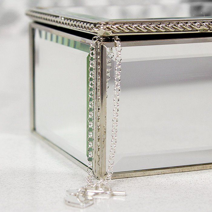 17 best ideas about mirrored jewellery box on pinterest for Mirror jewellery box