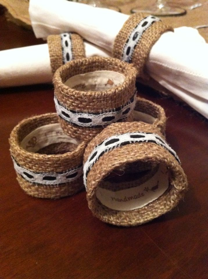 Burlap napkin rings with ribbon and lace