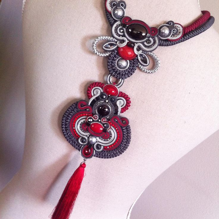 "208 отметок «Нравится», 6 комментариев — A.del® by Alessandra Del Vitto (@adelslaboratory) в Instagram: «"" le rouge et le noir"" (Dc inspired) #adelslaboratory #alessandradelvitto #soutache #necklace…»"