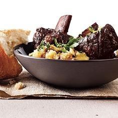 Cabernet Short Ribs With Parmesan Polenta (via www.foodily.com/r/tY6hiC4MiA)
