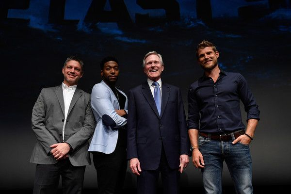 (L-R) Jocko Sims, Executive Producer Steven Kane, Secretary of the Navy Ray Mabus and Travis Van Winkle introduce the TNT The Last Ship Season 3 Screening at the NEWSEUM on June 7, 2016 in Washington, DC.  (Photo by Larry French/Getty Images for TNT) 26225_001