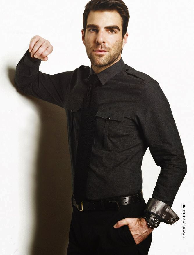 Zachary Quinto, my fav tv villain (heroes & American horror story) also gay = :(