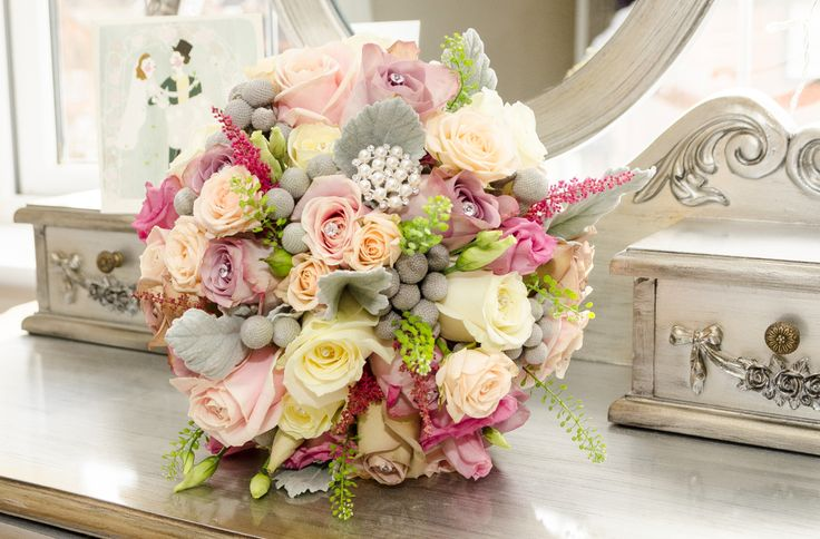 Such an unusual yet stunning combination of colours that really works in a Bridal Bouquet!  Beautiful Wedding Flowers for the perfect day!