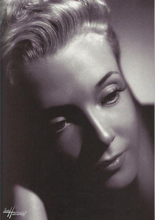 Micheline Presle par le Studio Harcourt, Paris, 1945