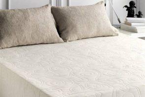 DecoArt24.pl Narzuta EYSA 250x270cm Miel ecrue - Piękna i oryginalna narzuta hiszpańska firmy EYSA Elegancko wykonana z materiałów najwyższej jakości bardzo dobrze prezentuje się zarówno w stylowej jak i nowoczesnej sypialni Niepowtarzalne wzornictwo podkreśli charakter każdej sypialni#dom #sypialnia #łóżko #DecoArt24.pl #sophisticated