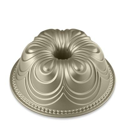 Love this newest bundt pan from Nordic Ware.   So different.  At Williams Sonoma