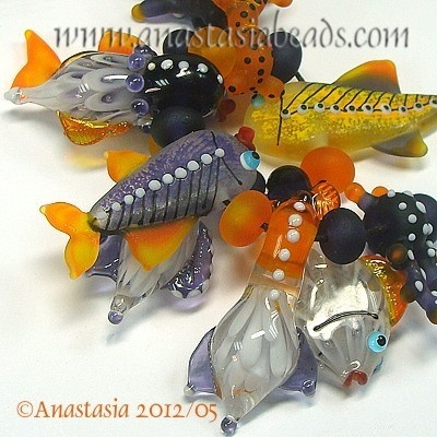 Anastasia Lampwork ~ love her fish!Coral Reef, Beadies Beads, Flamework Beads, Fish Art, Art Beads, Anastasia Mandarin, Lampworking Glasses Beads, Anastasia Lampworking, Glasses Art