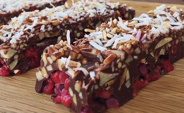 Luke Hines Online raw cacao, raspberry & coconut slice