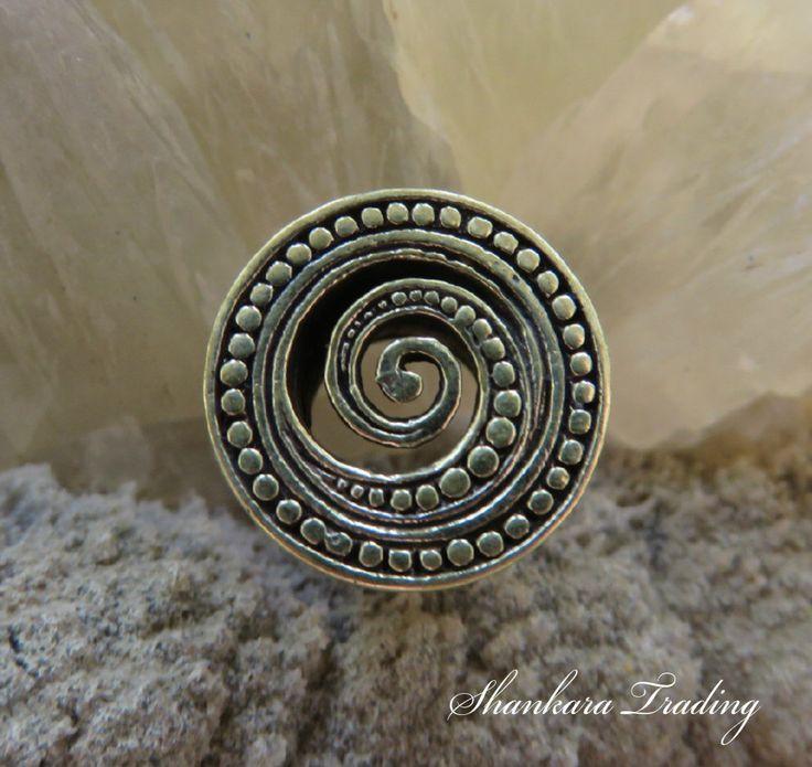 Brass Spiral Ear Tunnels, Tribal Ear Plugs, Ear Expanders, Eyelets, Tribal Ear Tunnels, Gauge Earrings, Ear Tunnels, Gauge Jewelry, Plugs by ShankaraTrading on Etsy https://www.etsy.com/listing/253567046/brass-spiral-ear-tunnels-tribal-ear