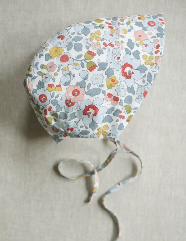 free pattern for summer bonnet, ages 0-24mos Corinne's Thread: BabySunbonnet - The Purl Bee - Knitting Crochet Sewing Embroidery Crafts Patterns and Ideas!