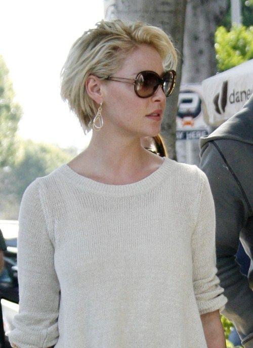 """#6961453 """"Grey's Anatomy"""" star Katherine Heigl showed off her new hairstyle during a lunch date with two male friends in Beverly Hills, California on March 11, 2011. Heigl quit the popular TV hit series to concentrate on here movie career as well as spend time with her musician husband Josh Kelley and their two-year old daughter, Naleigh. Fame Pictures, Inc - Santa Monica, CA, USA - +1 (310) 395-0500"""