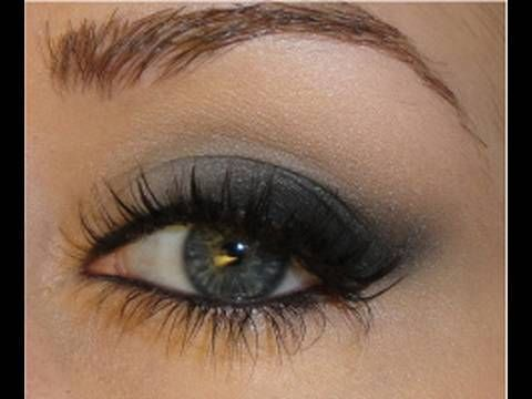 For the inspiration picture and a list of products used and more pictures of the look:  http://makeupbytiffanyd.blogspot.com/2009/10/taylor-swift-soft-cat-eye-makeup.html    Follow me on twitter for more updates! http://twitter.com/tiffanyld