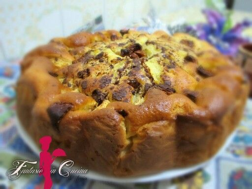 #Tortadimele #Cioccolato #Fichisecchi #Invernale #FantasieInCucinaDiAlessia Il dolce alle mele e un classico. Tutti lo amano. Ricorda l'infanzia. La nonna. La domenica. In questa versione super golosa, piacerà proprio a tutti. #Ricette #GialloZafferano: http://blog.giallozafferano.it/fantasieincucinadiale/torta-di-mele-cioccolato-e-fichi-secchi/