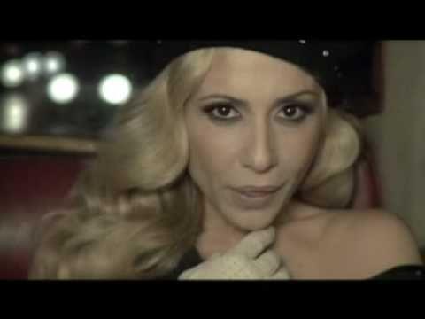 ▶ Carlos Baute - Colgando en tus manos (con Marta Sanchez) - YouTube