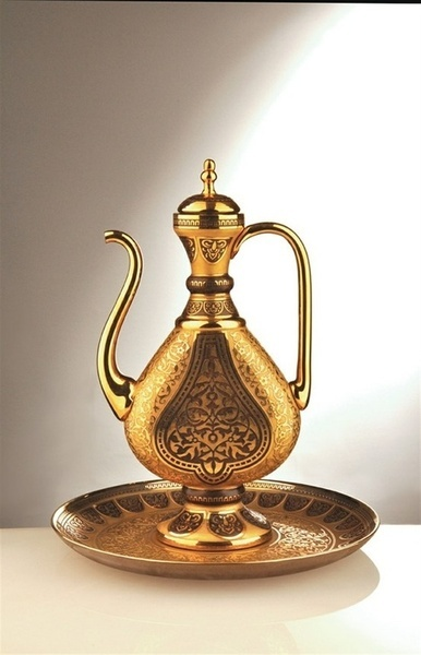 Qartheen tea pot (Turkish glass vase for pouring scented rose water back during the Ottoman empire…or Sassanian? who knows! I'm no expert -WWKW)