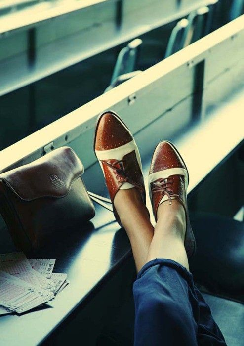 pointy two-toned oxfords.