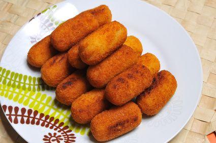 Receita de Croquete de Frango com Azeitona. Seja frito ou assado; é impossível resistir a um salgadinho de frango! Deliciosos!