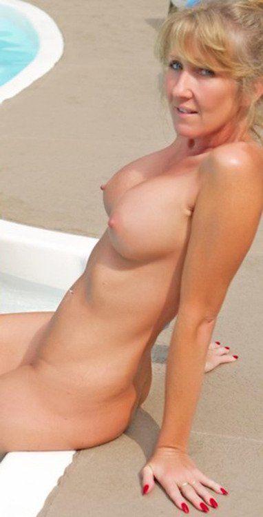 sexy older athletic women pics ajar