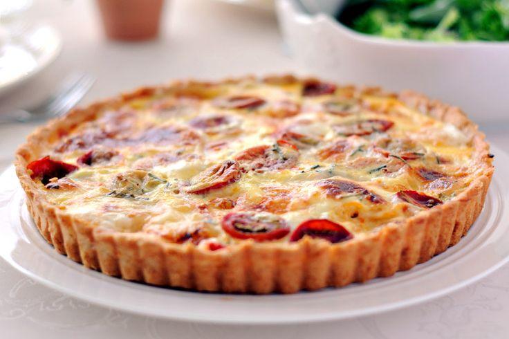 Recette de la délicieuse tarte au thon et à la tomate à préparer à votre Thermomix. Après l'avoir essayé vous ne ferez plus que cette recette :)
