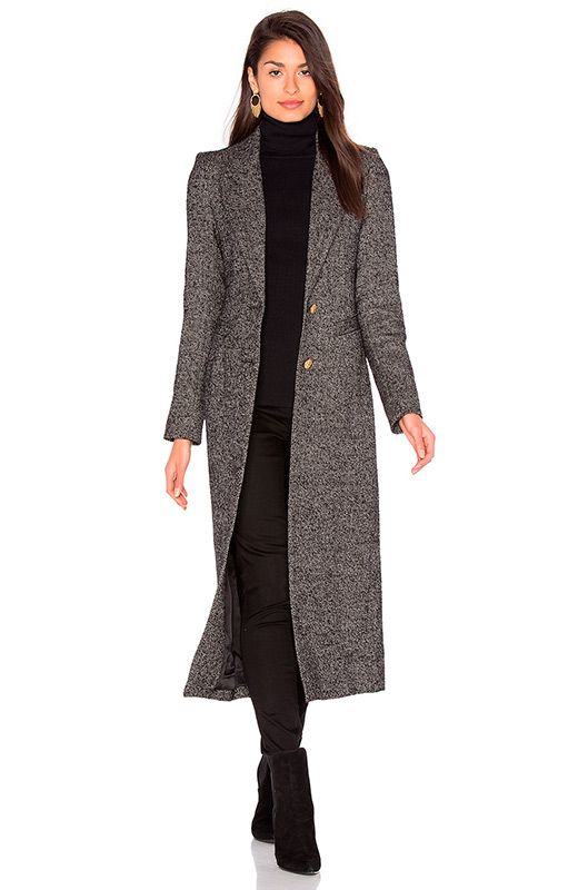 Abrigos largos http://stylelovely.com/revolveclothing/2016/12/05/los-abrigos-largos-culminaran-tus-looks-invierno/