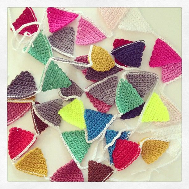 """@Eliane Paul-Hus Paul-Hus Roest's photo: """"Goodmorning! A small party on my table with these crochet buntings.  #crochet #crochetaddict #crocheteveryday #bunting #hækle #haken #gehaakt #roest #forsale #etsy #etsyseller #neon #party #feestje #slinger #instaparty #musthave"""" #happybuntings"""