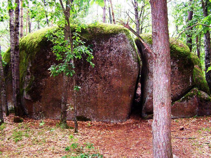 Камінне село на Поліссі — одне з найзагадковіших та містичних місць в Україні