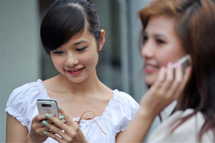 Thuê bao Mobifone, Viettel, VNPT sắp được chuyển mạng dữ nguyên số  Hình thức chuyển mạng dữ nguyên số sắp được thử nghiệm đối với 3 nhà mạng lớn Viettel, Mobifone, VNPT  Theo dự kiến việc chuyển mạng giữ số (MNP - Mobile Number Portability) phải được thực hiện từ 1/7 năm nay.