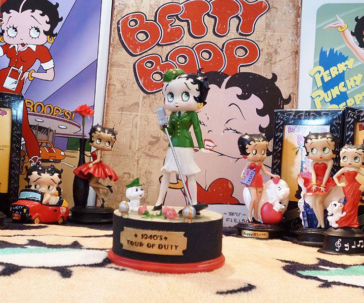 【Betty Boop ベティ・ブープ】 レジン製 オルゴール フィギュア 『1940's Tour of Duty』
