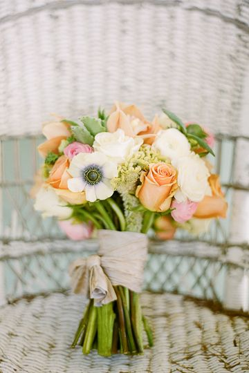 hand-tied bouquet {Glamour and Grace/Every Last Detail} image by Jessica Lorren