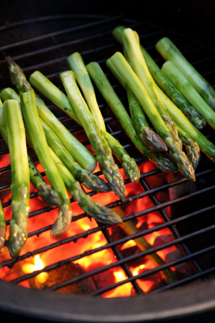 While At A Dinner Party, I Learned A Foolproof Way To Cook Asparagus