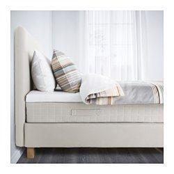 IKEA - LAUVIK, Boxbett, Hafslo mittelfest/Talgje beige, 160x200 cm, Båtsfjord, , Das klassische Aussehen eines Boxspringbetts mit weichem Kopfteil, rundum bezogen – perfekt, um in voller Größe mitten im Raum zu stehen. Falls ein Malheur passiert, ist es gut zu wissen, dass die Bezüge waschbar sind.Bonellfederung stützt den Körper durchgehend und sorgt für guten Schlaf - Nacht für Nacht.Die Matratze ist gerollt verpackt und lässt sich daher leicht mit nach Hause nehmen.Schaumpolsterung in...