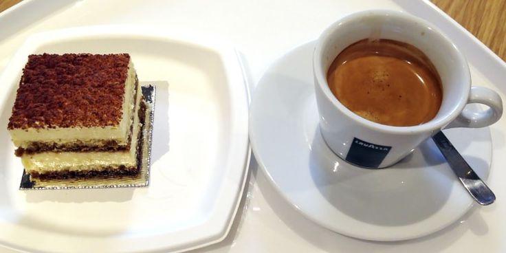 Café Espresso Lavazza e  Tiramisu da La Pasticceria di Luca Montersino do Eataly SP