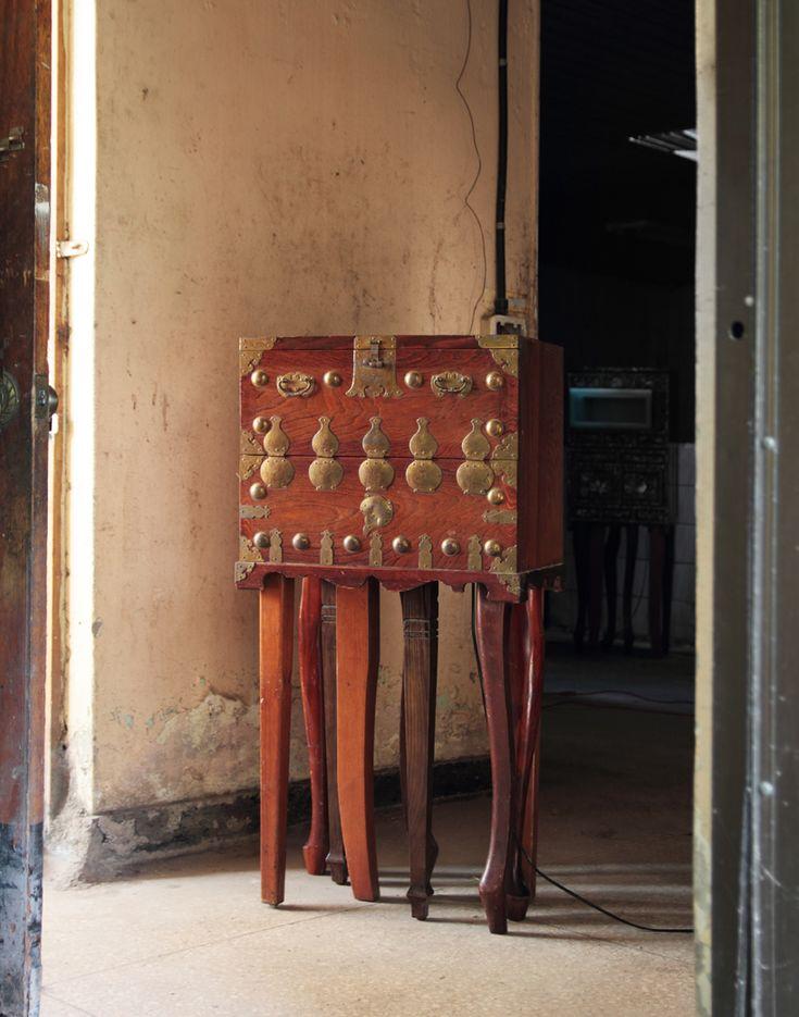fortuitous variation - traditional korean furniture reinterpreted by maezm
