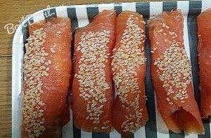 Рулетики из лосося с сыром - пошаговый рецепт с фото