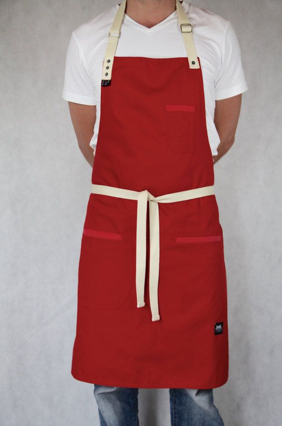 Tablier en tissu Rouge avec détail denim rose par JooK sur Etsy APRON RED JooK TheApron&ChefclothingCo. sur Etsy apron original gift kitchen restaurant cooking
