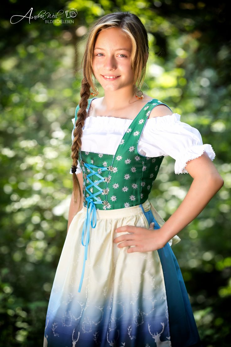Traditional German Hairstyles   octoberfest hairstyle ...