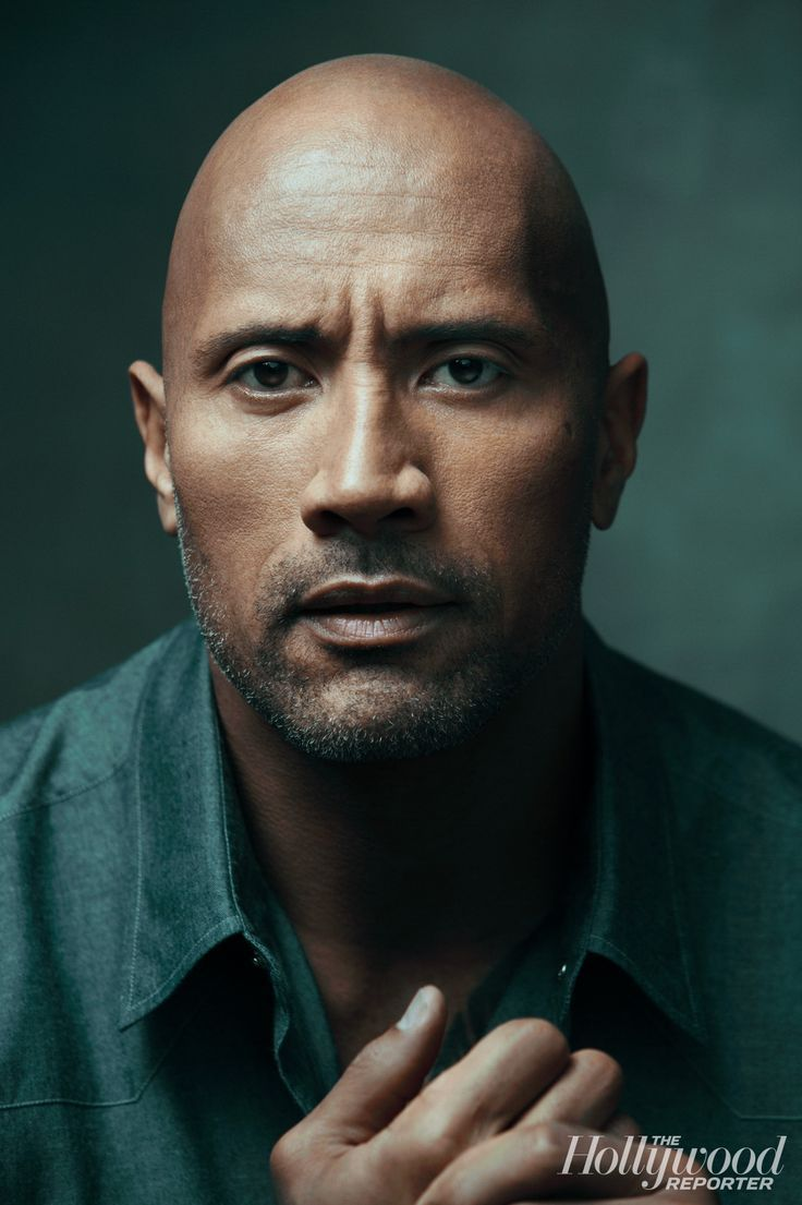 Dwayne johnson poised to dive into baywatch movie