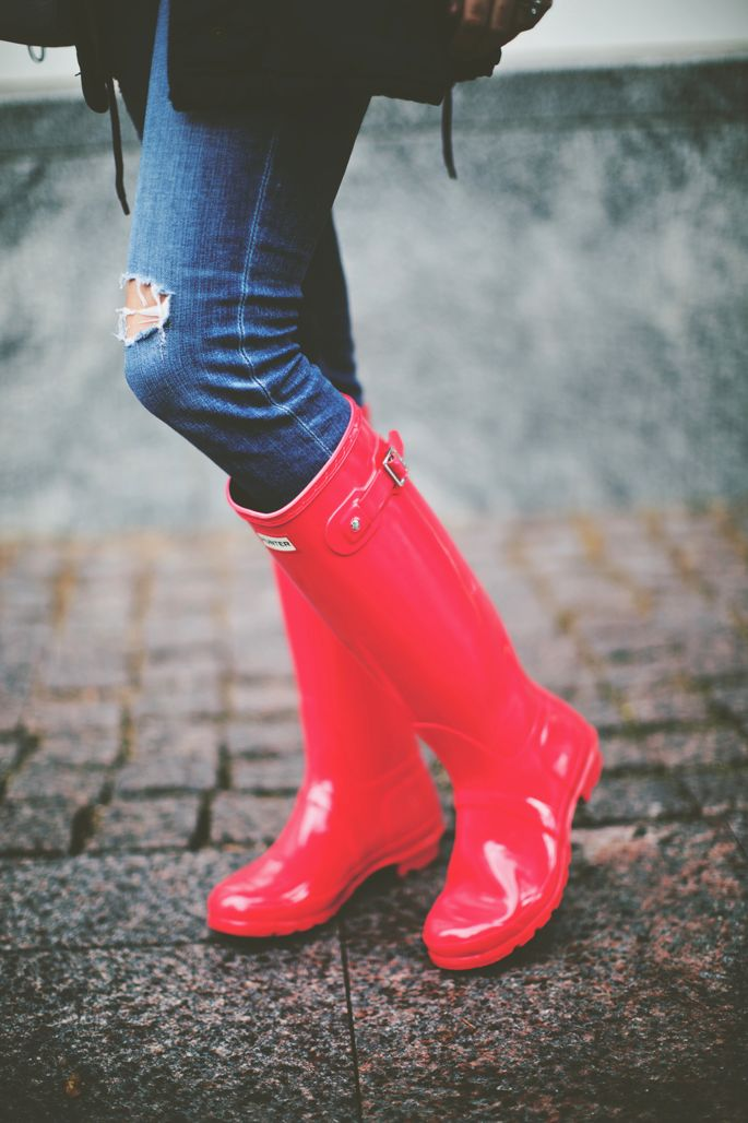 red hunter boots | Style | Pinterest | The o'jays, Rain ...