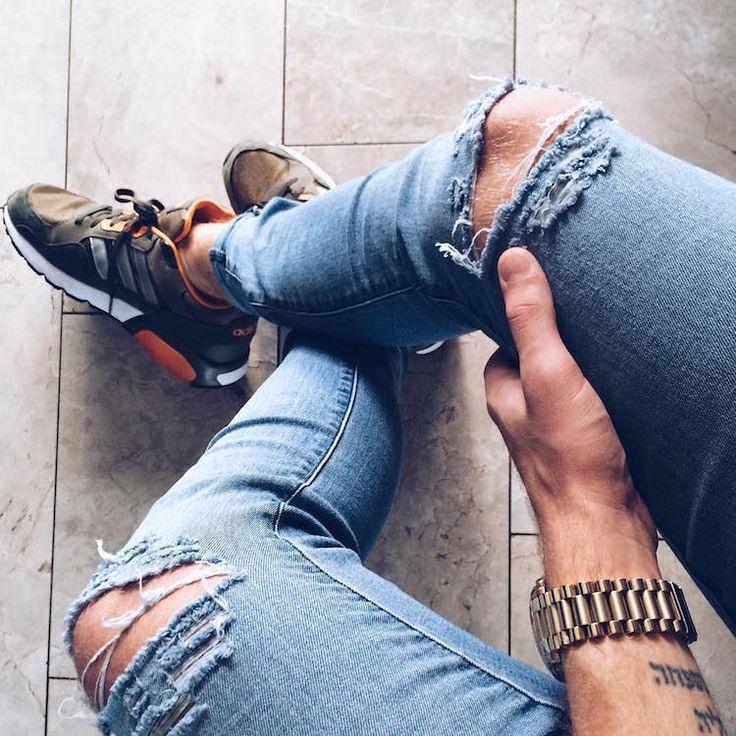Se os diamantes são os melhores amigos da mulher, eu diria que a calça jeans é a melhor amiga do homem. Elas são versáteis, estilosas, resistentes... Para