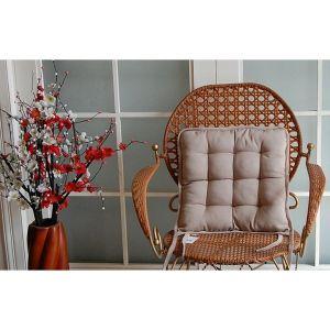Galette de chaise avec des liens à nouer
