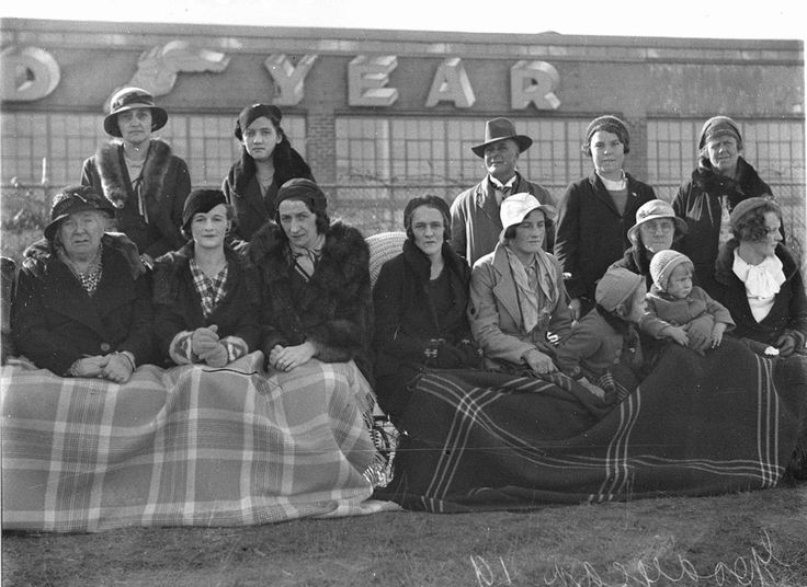 Spectators watching Goodyear's baseball team, 17 June 1934. Sam Hood Collection, State Library of New South Wales: http://www.acmssearch.sl.nsw.gov.au/search/itemDetailPaged.cgi?itemID=42144