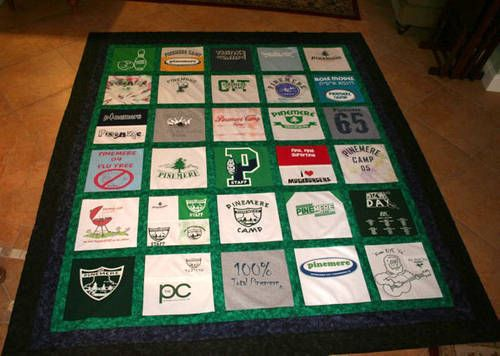 T-shirt quilt: Tees Shirts Quilts, Tshirt Quilts, Sewing Projects, Cheer Shirts, Quilts Idea, Camping T Shirts, Graduation Gifts, T Shirts Quilts, Schools Shirts